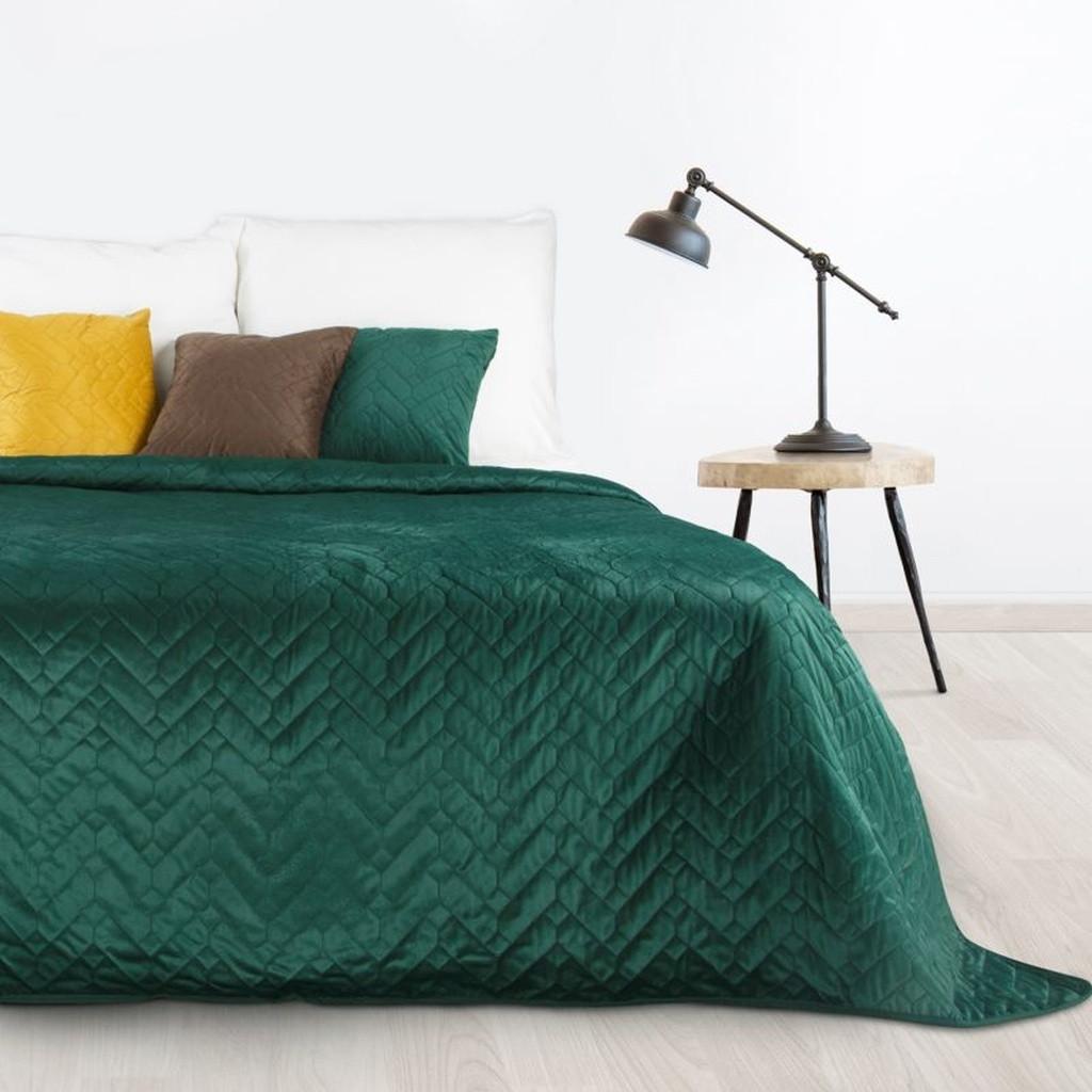 DomTextilu Luxusný tmavozelený prehoz na posteľ Šírka: 70 cm | Dĺžka: 160 cm 30713-166390