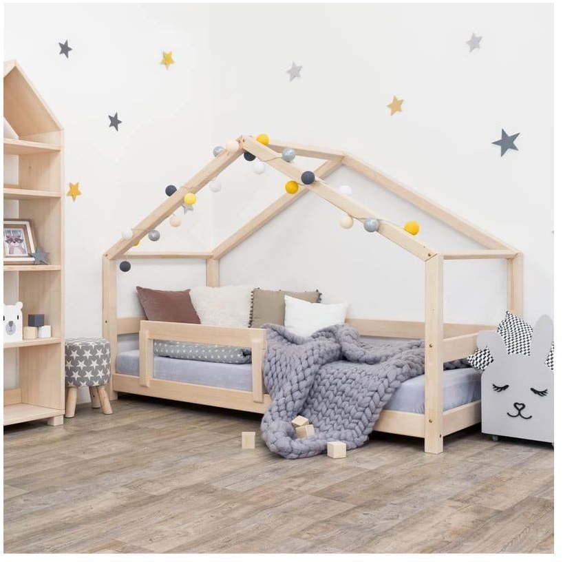 Drevená detská posteľ domček s bočnicou Benlemi Lucky, 120 x 200 cm