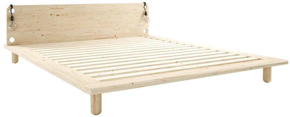 Dvojlôžková posteľ z masívneho dreva s lampami Karup Design Peek, 180 x 200 cm