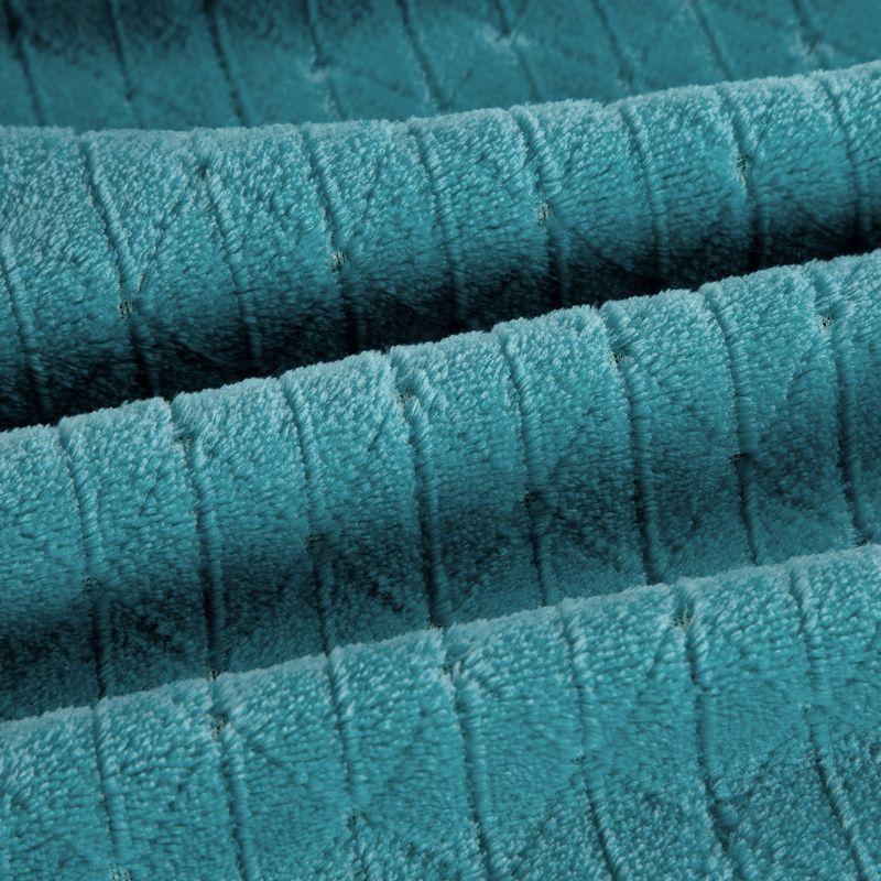 Mäkká tyrkysová deka CINDY4 s geometrickým vzorom 170x210 cm