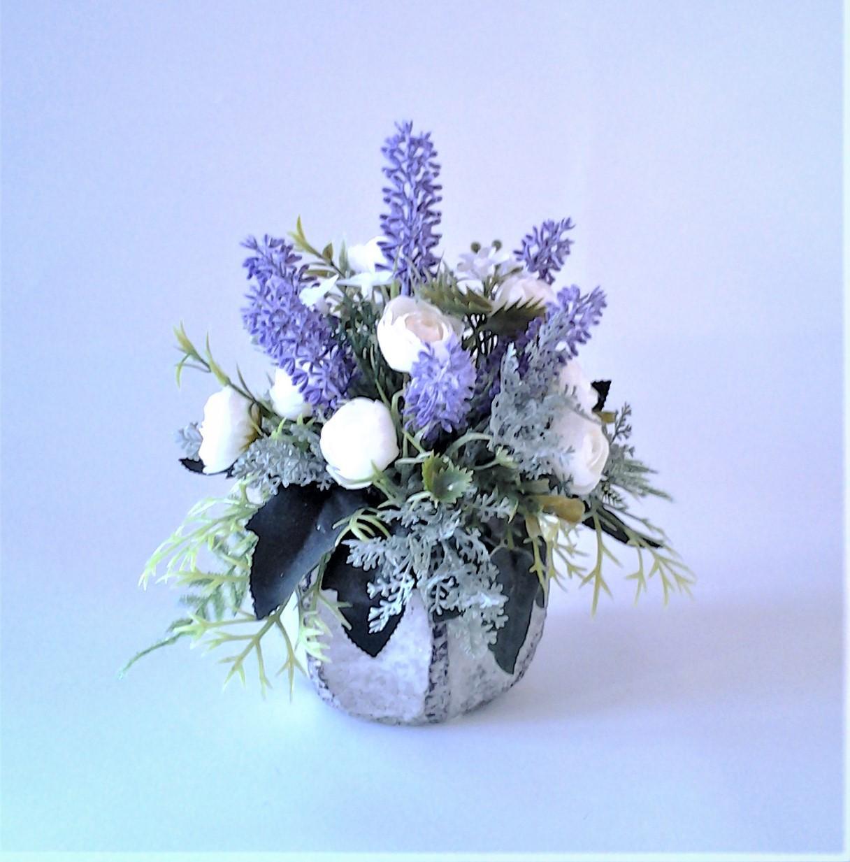 levanduľová kvetinová dekorácia 18 x 24 cm