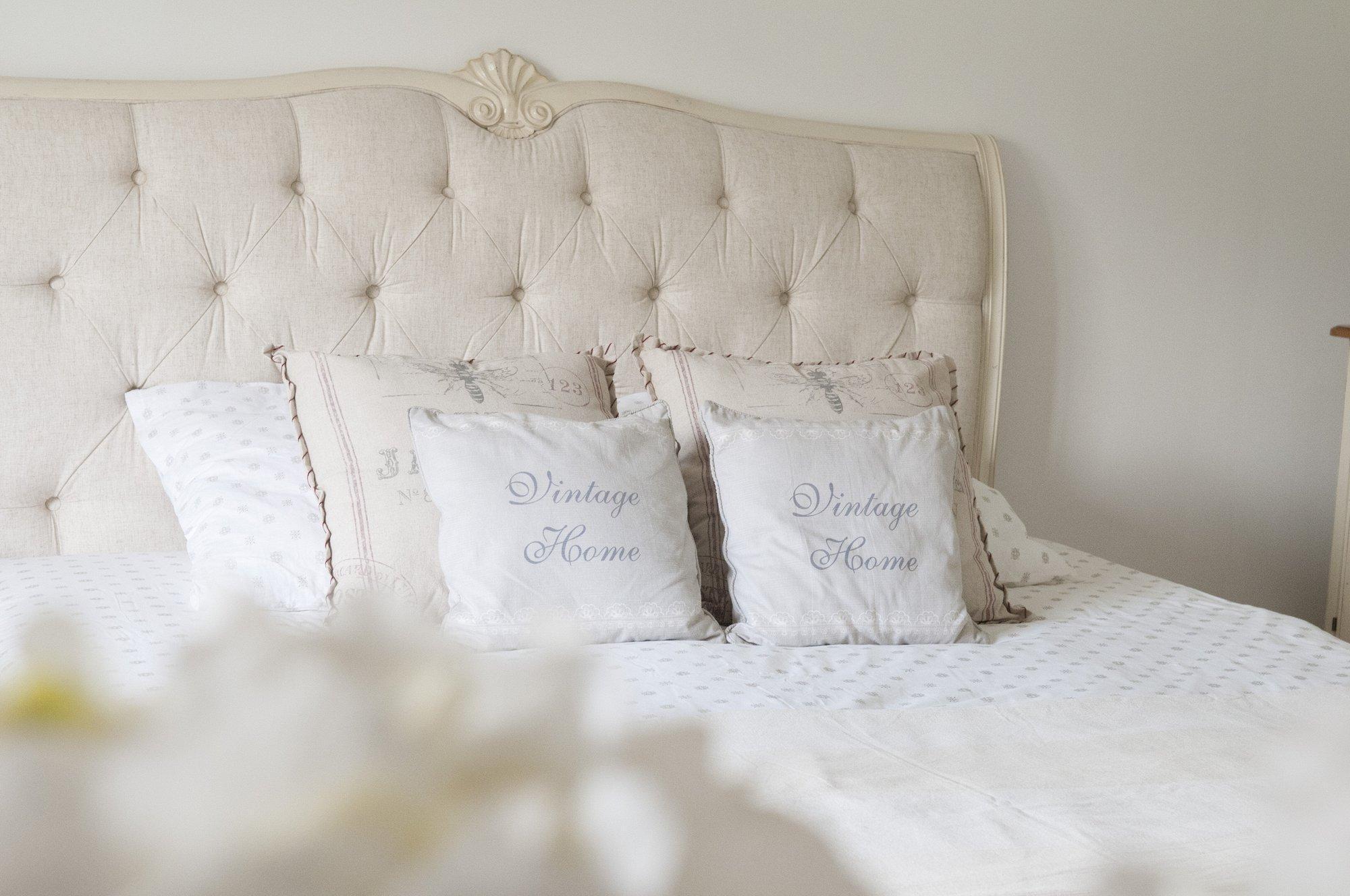 LIVIN HILL Manželská posteľ Verona VE862