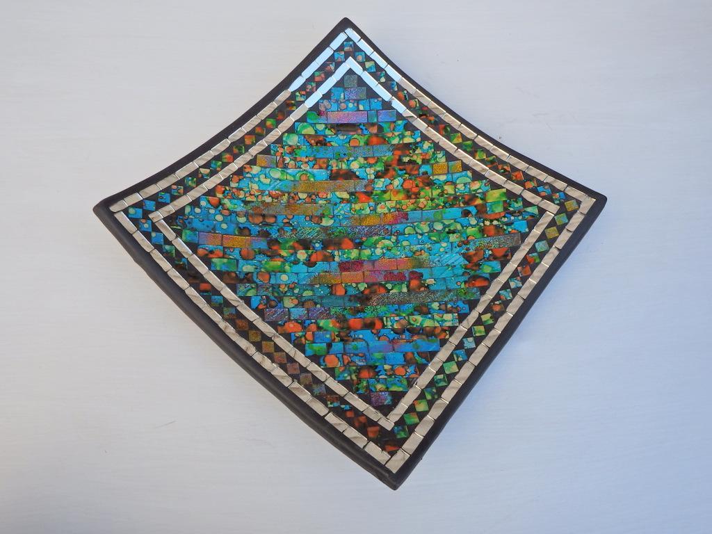 Misa hranatá viacfarebná, 24 cm, keramika, ručná mozaika, Indonézia