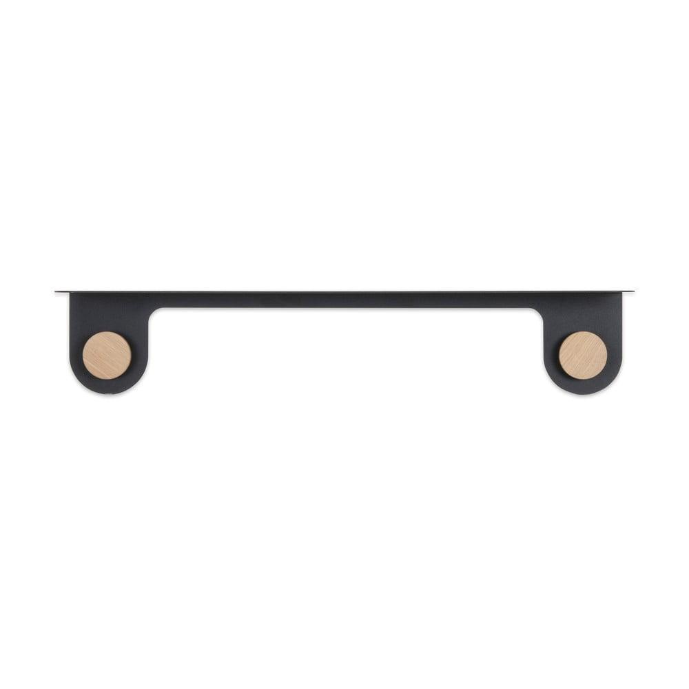 Nástenná čierna polica z ocele s detailom z dubového dreva s 2 háčikmi Gazzda Hook, dĺžka 70 cm