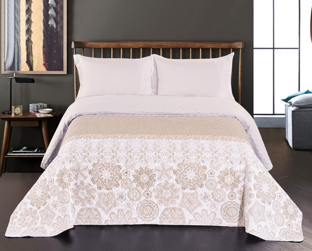 Obojstranný prehoz na posteľ DecoKing Alhambra béžový/biely