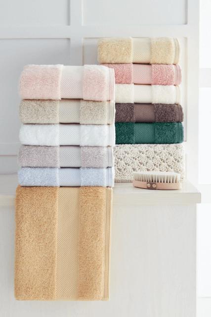 Soft Cotton Luxusné uterák DELUXE 50x100cm. Najlepšie uteráky, ktoré spĺňajú požiadavky na savosť, hebkosť a ľahkú údržbu. Hnedá