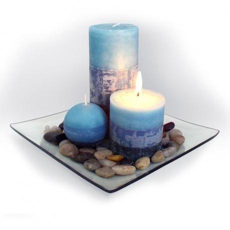TORO Darčekový set 3 sviečky, vôňa čučoriedka, na sklenenom podnose s kameňmi